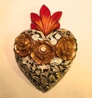 Image Heart with Roses and Milagros