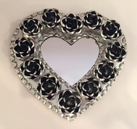 Image Tin Heart with Roses, Natural